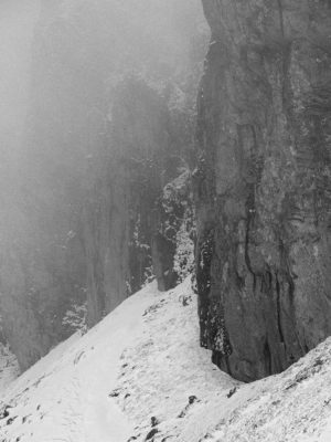 37 300x400 - Iarna în Bucegi, la Strunga