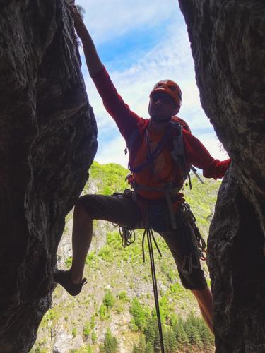 4 99999x500 - Școala de cățărare 2019