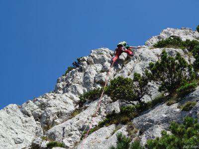 23 R 400x300 - Verticale în Piatra Craiului: Frontalul Dianei și Canionul Ciorânga