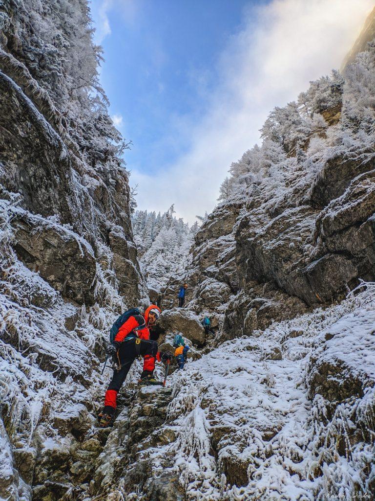 5 9 scaled - Trasee de munte în Carpați (III)