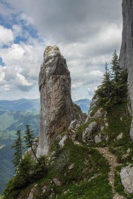 Tainele Craiului: Canionul Anghelide